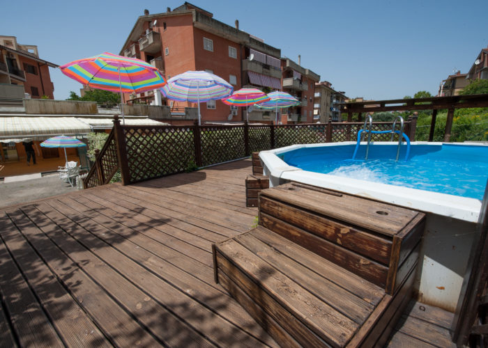 piscina-giardino-asilo-guidonia