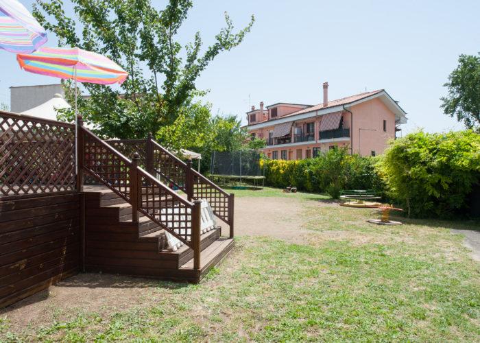 veduta-esterno-giardino-asilo-guidonia